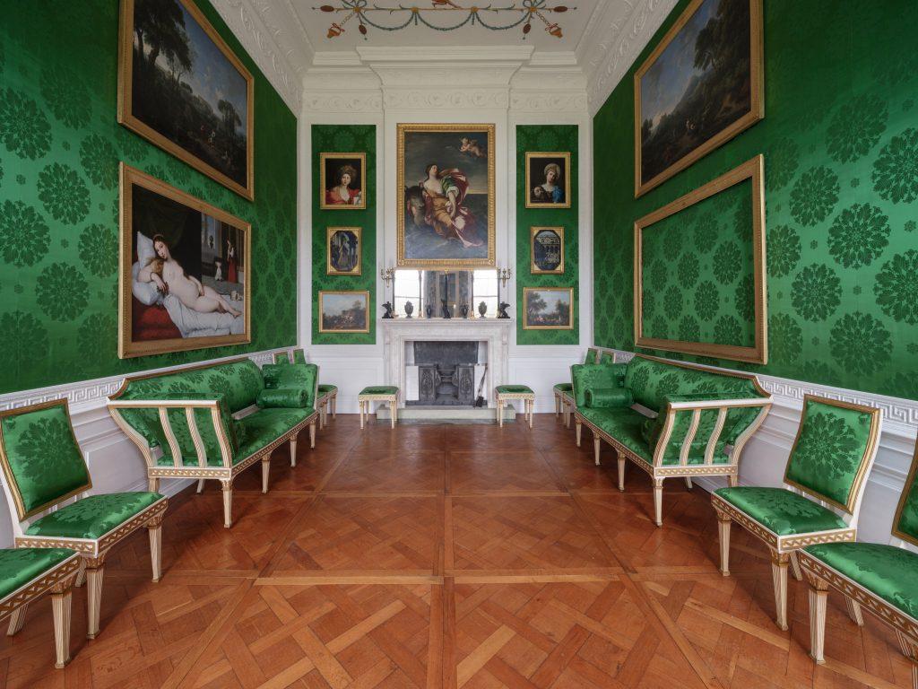 Restaurierte Möbel (Lauterwald Atelier für Restaurierung, Leipzig) im Schloss Wörlitz. (c) CHRISTOPHBUSSE.DE